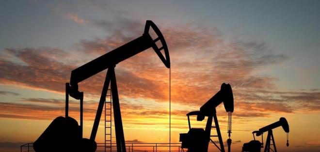 """El barril de """"light sweet crude"""" (WTI) para entrega en enero aumentó 2,85 dólares en el New York."""