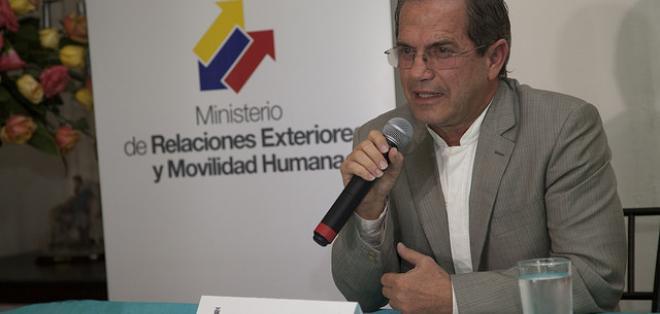El canciller Ricardo Patiño anunció que devolverá 7 millones de dólares a Alemania.