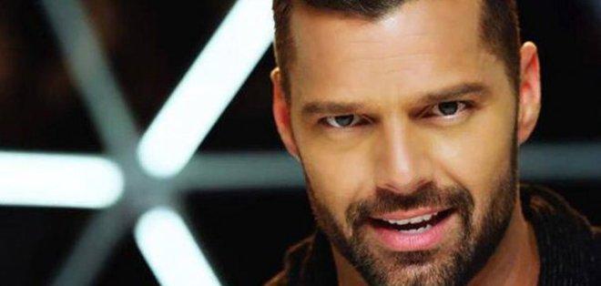 Martin le pidió a sus seguidores seguir atentos a las redes sociales porque el próximo 12 de enero divulgará más información del disco, el décimo de su carrera.