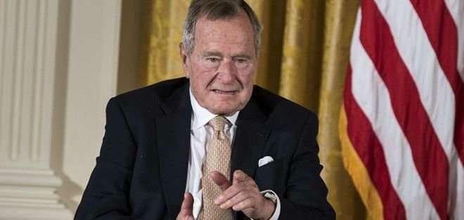 Bush padre permanecerá hospitalizado el fin de semana