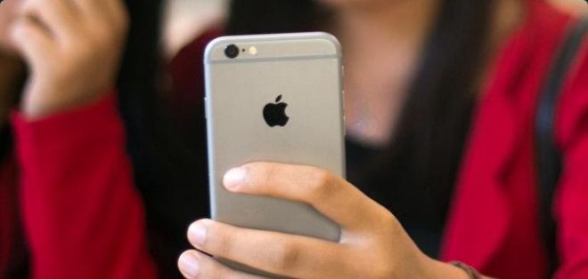 Usuarios acusan a la compañía de publicidad engañosa sobre la capacidad de algunos dispositivos.