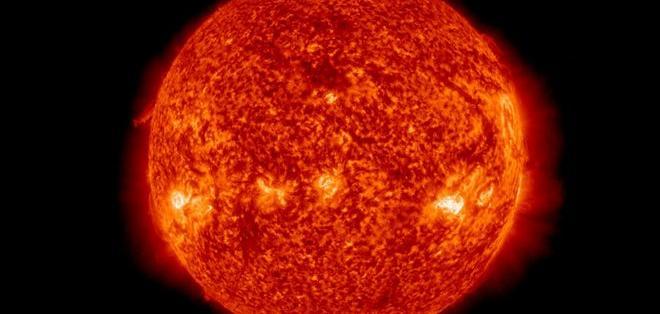 Las personas que nacen durante períodos de calma solar parece vivir más.