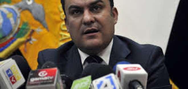 El ministro del Interior, José Serrano, insiste en investigar un posible femicidio en este caso.