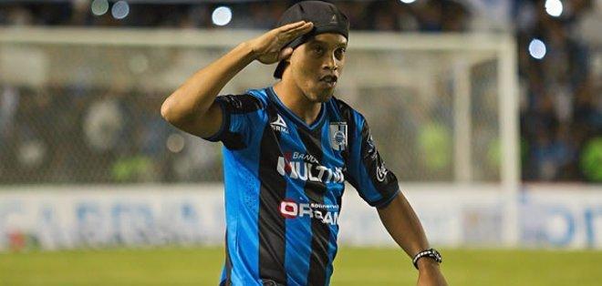 Ronaldinho se pone a las órdenes del Querétaro.