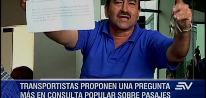 Los transportistas urbanos de Guayaquil insisten en que se incremente el precio del pasaje y no están de acuerdo con la consulta.
