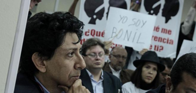El Universo deberá emitir una disculpa pública en el espacio de opinión de 'Bonil'.