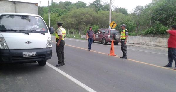 ECUADOR.- Arrancaron los controles conjuntos en la red vial del país. Fotos: Twitter