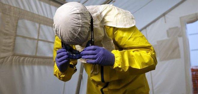Según los datos más recientes de la OMS, 23.253 personas han sido infectadas por el virus del Ébola y 9.380 han muerto durante esta epidemia, que comenzó en diciembre de 2013 en África occidental. Fotos: Archivo