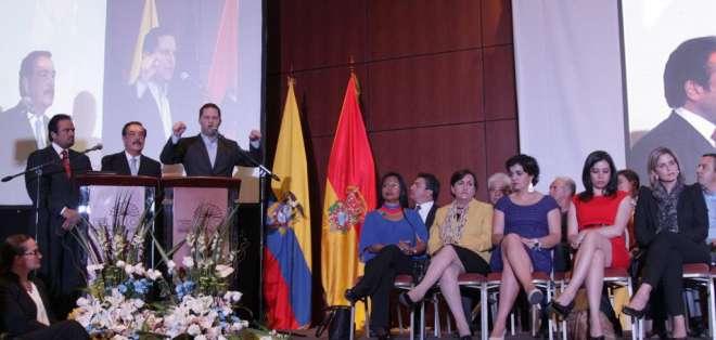 CUENCA, Ecuador.- Alcaldes y prefectos se reúnen en el marco de la rendición de cuentas de sus primeros 12 meses. Fotos: AP