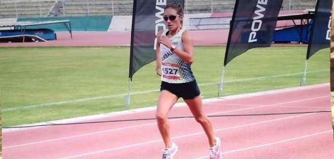 La deportistas terminó cuarta en la maratón de Sevilla. Foto: Facebook.