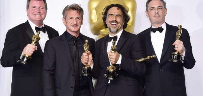 """Sean Penn e Iñarritu trabaron una fuerte amistad durante el rodaje de """"21 gramos"""" (2003), la primera cinta que Iñárritu hizo en Estados Unidos. Foto: EFE."""