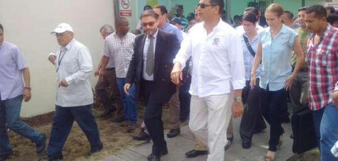 El área de bodegas también estuvo dentro del recorrido presidencial
