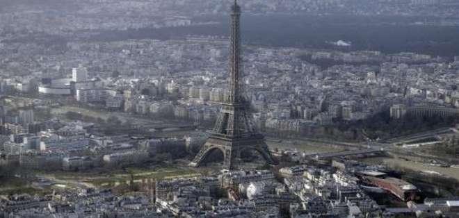 PARÍS, Francia. Esos vuelos no son ninguna primicia, pero es la primera vez que se avistan tantos aparatos en una noche, según la policía. Fotos: Archivo