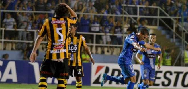 Mauro Fernández asistió en un gol y marcó otro. Foto: API.