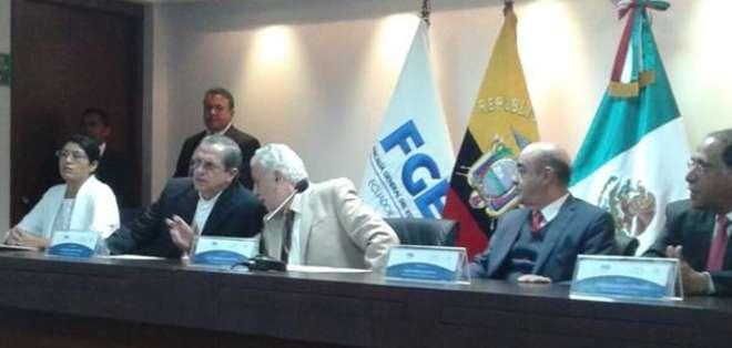 El fiscal Galo Chiriboga agradeció a las autoridades mexicanas, quienes confirmaron que se instalará en Ecuador una oficina de la procuraduría de México. Foto: Fiscalía.