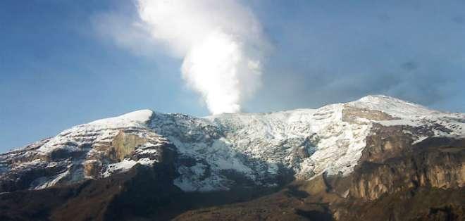 COLOMBIA.- Según una geóloga, no fue fácil encontrarlo, debido a la prominente vegetación y su baja altitud. Fotos: Servicio Geológico Colombiano