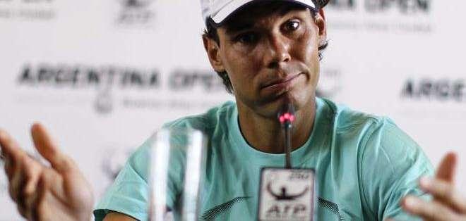 Rafael Nadal, atendiendo a la prensa en el ATP de Buenos Aires (Foto: EFE)