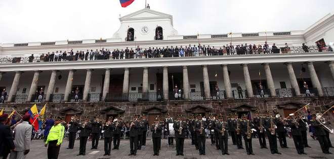 ECUADOR.- De acuerdo con el decreto ejecutivo No. 601, son los que conforman el nivel jerárquico superior. Foto: Archivo