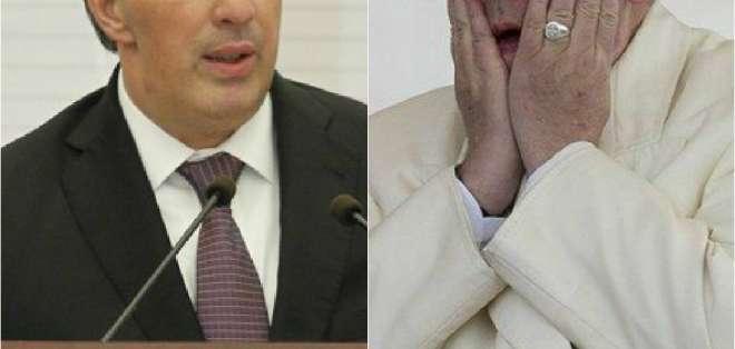 """MÉXICO.- """"La relación de México con el Estado Vaticano"""" y """"con el papa es una relación de gran importancia"""", dijo el canciller José Antonio Meade (i). Collage: Ecuavisa"""