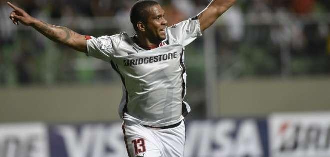 El delantero ecuatoriano Christian Suárez anotó el único gol del partido en el minuto 86. Foto: AFP