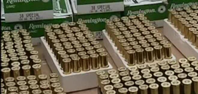 El camión fue retenido en la vía Huaquillas-Arenillas, en la provincia de El Oro. Su conductor y un acompañante fueron puestos a órdenes de las autoridades competentes.