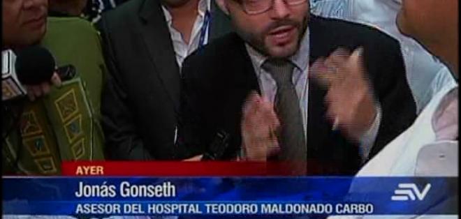 GUAYAQUIL.- El presidente Rafael Correa denunció la existencia de pasadizos clandestinos en hospital del IESS.