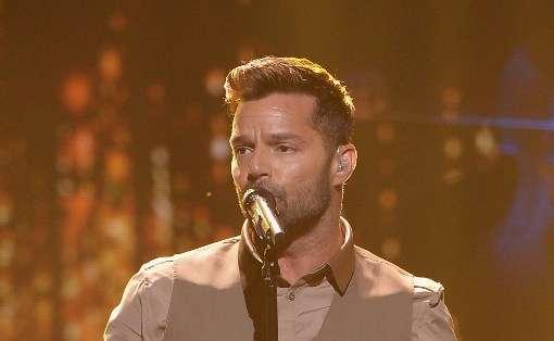 Ricky Martin, de 43 años, ha vendido millones de copias de discos y ha ganado numerosos premios Grammy, Billboard y MTV.