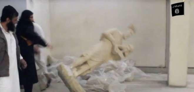Desde su llegada han atacado sistemáticamente a las minorías de Irak y Siria destruido su patrimonio.