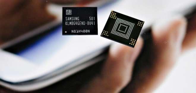 COREA DEL SUR.- Según manifestó Samsung, este producto podrá almacenar hasta 128 GB de contenido en el celular. Foto: Samsung