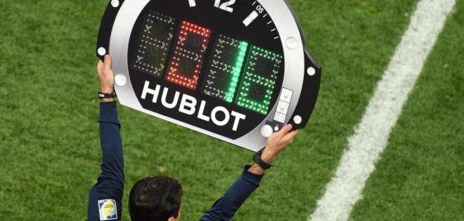 El último técnico campeón mundial propone que se permita un cuarto cambio en un partido.