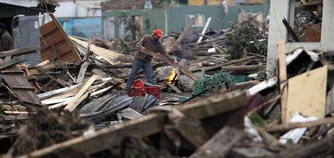 CHILE. La madrugada del 27 de febrero de 2010, 12 días antes de que concluyera el primer gobierno de Michelle Bachelet, un terremoto de 8,8 grados de magnitud azotó al centro y sur de Chile. Fotos: Archivo