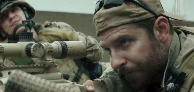 El 'francotirador americano' es la película bélica más taquillera en la historia de EE.UU.