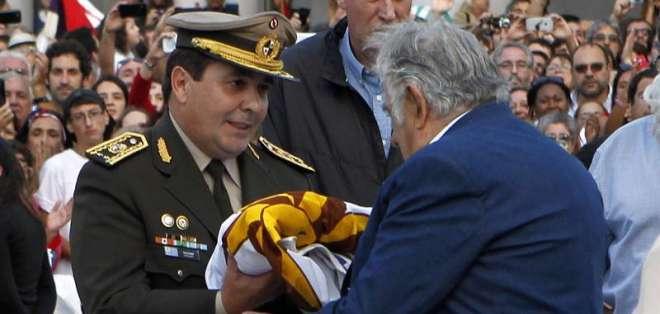 """Mujica lamentó que los cinco años de legislatura pasaran """"tan rápido"""" y en una lucha permanente. Foto: AFP."""