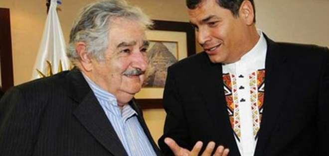 """""""Vamos a extrañar mucho a Pepe"""", expresó Correa pocas horas antes de partir hacia Uruguay, para la toma de posesión de Tabaré Vázquez."""