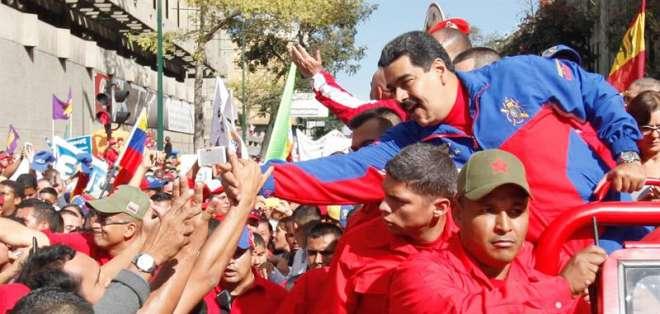 Maduro dijo hoy que la embajada en Caracas deberá reducir el número de diplomáticos. Fotos: EFE.