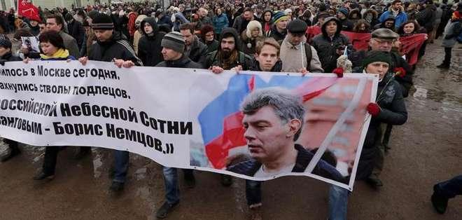 Los organizadores de la marcha elevaron la cifra de participantes a más de 70.000. Fotos: EFE.