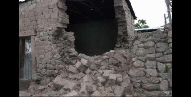 Los daños en las viviendas se registraron en el distrito de Cabanaconde, situado en la región de Arequipa. Fotos: Twitter.