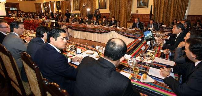 QUITO, Ecuador.- Durante el almuerzo, Correa destacó que en una nación es importante la inversión privada y extranjera. Fotos: Presidencia de la República