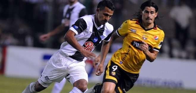 Ismael Blanco le marcó a Libertad el año pasado por Sudamericana. Foto: AFP.