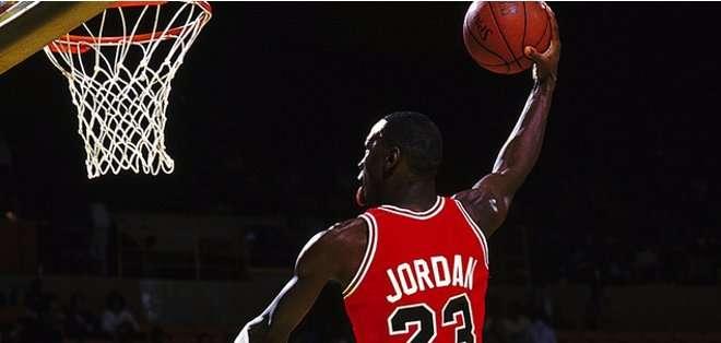 Jordan sigue ligado al básquet.