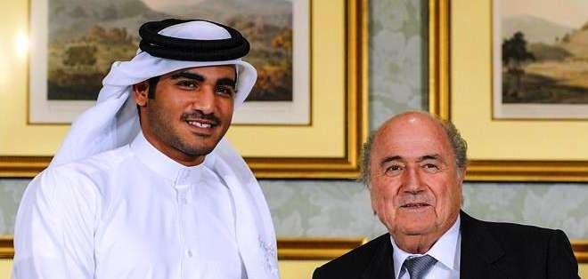 Joseph Blatter (derecha) es uno de los invitados por la Conmebol (Foto: EFE)