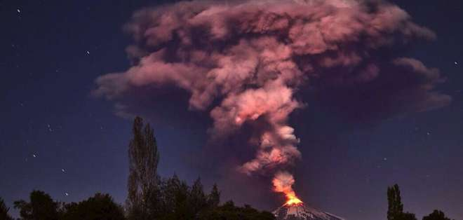 CHILE. El volcán Villarrica, de unos 2.800 metros de altura, es considerado uno de los más activos de Chile y Sudamérica.