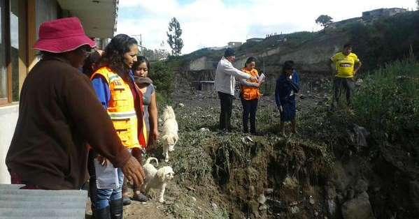 Los habitantes de las comunidades La Inmaculada y Las Palmas fueron los más afectados. Foto: Riesgos Ecuador.