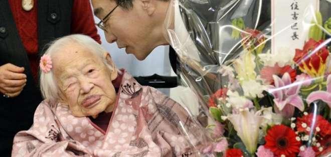 JAPÓN.- Según sus  cuidadores, el estado de salud de Misao Okawa es bueno y come tres veces al día. Fotos: EFE