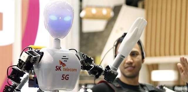 ESPAÑA, Barcelona.- Imagen del SK Telecom con tecnología 5G presentado en el Congreso de Móviles. Foto: EFE