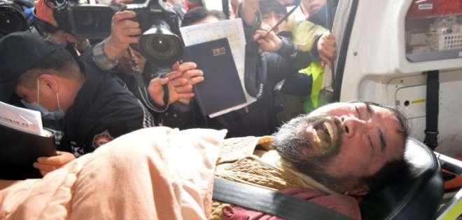 SEÚL. La agencia de noticias oficial KCNA, aseguró que el ataque a Lippert por un activista nacionalista refleja la postura de la opinión pública surcoreana. Fotos: AFP