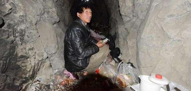CHINA.- Zhiyong trabaja como estibador para una empresa de transporte y gana casi $500 mensuales. Fotos: Internet