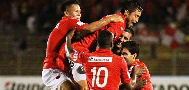 Los jugadores del Áurich celebran el triunfo (Foto: EFE)
