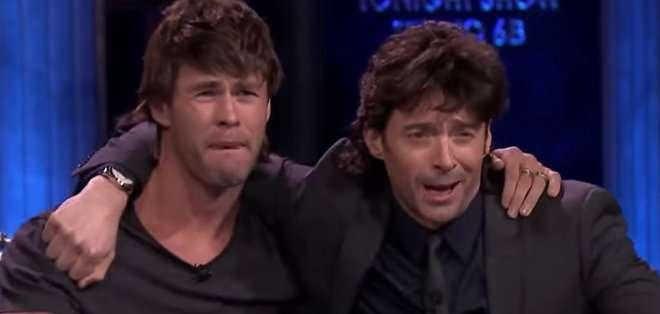 Fallon tomó cerveza en compañía de Hugh Jackman, Chris Hemsworth y los miembros del elenco de Saturday Night Live.