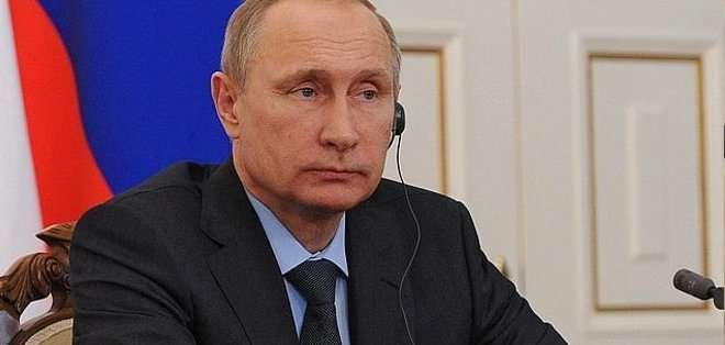 """El presidente de Rusia reveló que tomó la decisión horas después de que el Parlamento ucraniano depusiera al prorruso Víktor Yanukóvich. """"Habíamos colocado metralletas de gran calibre para no tener que hablar"""". Fotos: Archivo"""